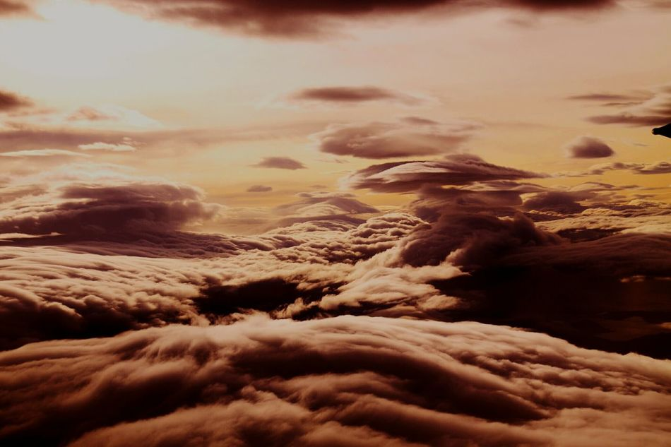 Cloud - Sky Nature Beauty In Nature Sunset Sky No People Tranquility Outdoors Dusk Sunsets Sunsetsniper Sunset Arial Shot Arial Photography Arial View EyEmNewHere This Week On Eye Em This Week In Eyeem Clouds Cloudscape Flying High Flying High.