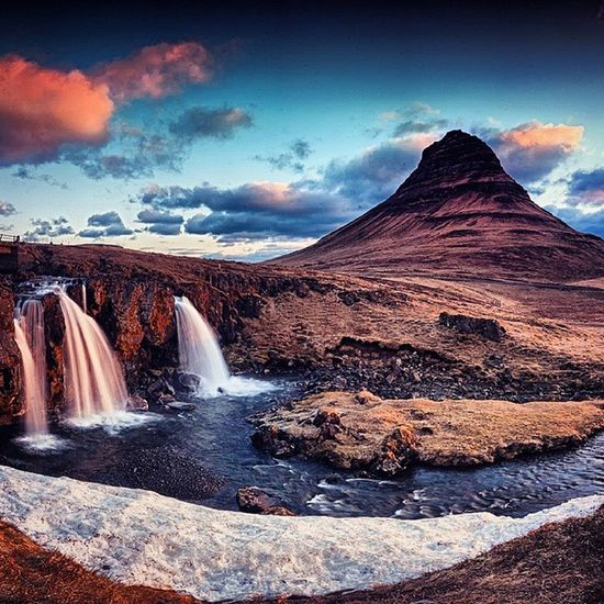 Kirkjufell sunrise. This was the first stop on our Icelandic trip and it was worth the long drive from the airport. It was an early 4am rise the next morning to catch the sunrise but thankfully the conditions were lovely for a panoramic setup. View the full panoramic over at www.facebook.com/odonnellphotography ------------ Exif Canon 1d mk3 Sigma 10-20mm F16, 100iso, 0.4sec , 0.6 ND Grad filter Panoramic stitched in lightroom ------------ odonnellphotography ig_iceland discoverearth sengajaphoto iceland grundarfjordur kirkjufell icelandic icelandtravel everydayiceland waterfall clouds landscape mountain skylovers skyshots sunrise ice ig_sunrisesunset igersmood ig_iceland119