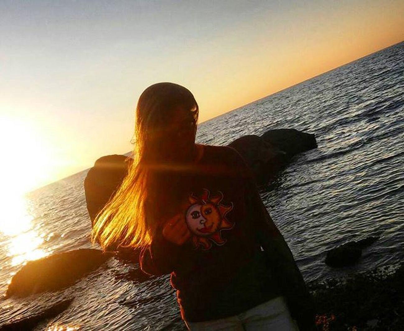 C'è soleluna dentro di me,c'è l'acqua e c'è il fuoco,c'è notte, giorno, terra e mare,c'è troppo e c'è poco. Mare Soleluna Sea Jovanotti Sun Jovanottinelcuore Sole Jovanottiunicograndeamore Tiamo Chemaglia Tiamojova Lorenzojovanotticherubini ☀️🏊 😚