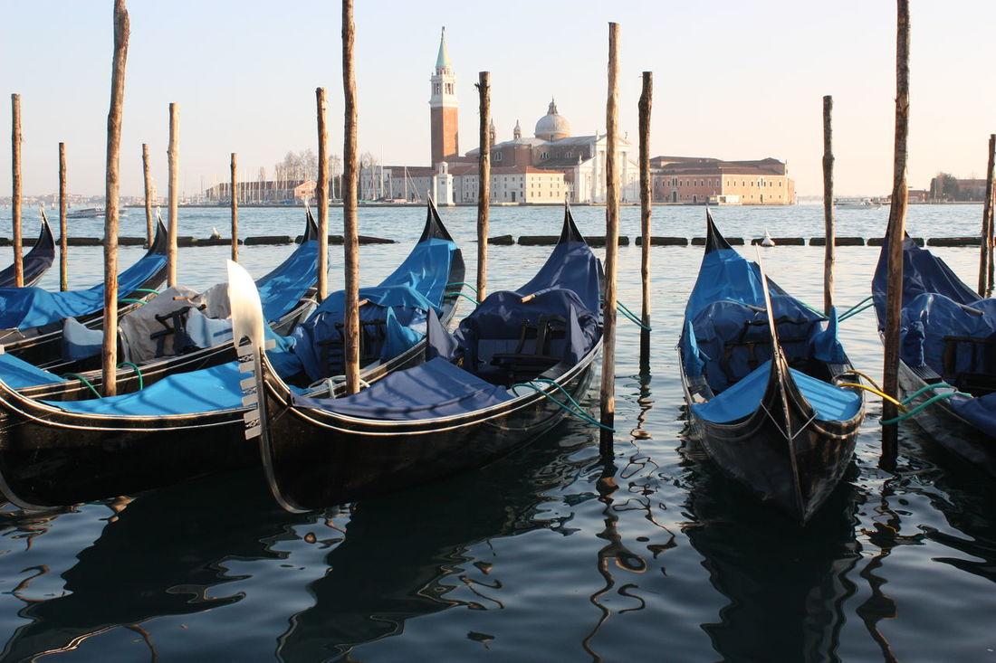 Veneza Venezia Gondola Canal Italy Italia Italy Holidays Gondole In Venice Venice Italy Venice Canals Venice Veneto Piazza Del Duomo
