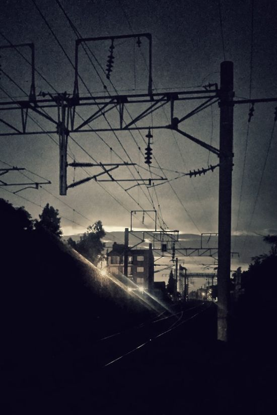 Eléctrico a la eléctrica First Eyeem Photo Train Rail Trainphotography Waiting For A Train Storm Cloud Electric Lines Electric Storm Railway