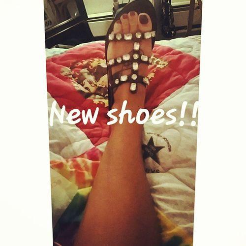 BCBG Shoes Shoesoftheday Shoesshoesshoes newshoes brown diamonds shiny shinynew letsshop hello ilove shopaholic shopshopshop mystory114 happiness