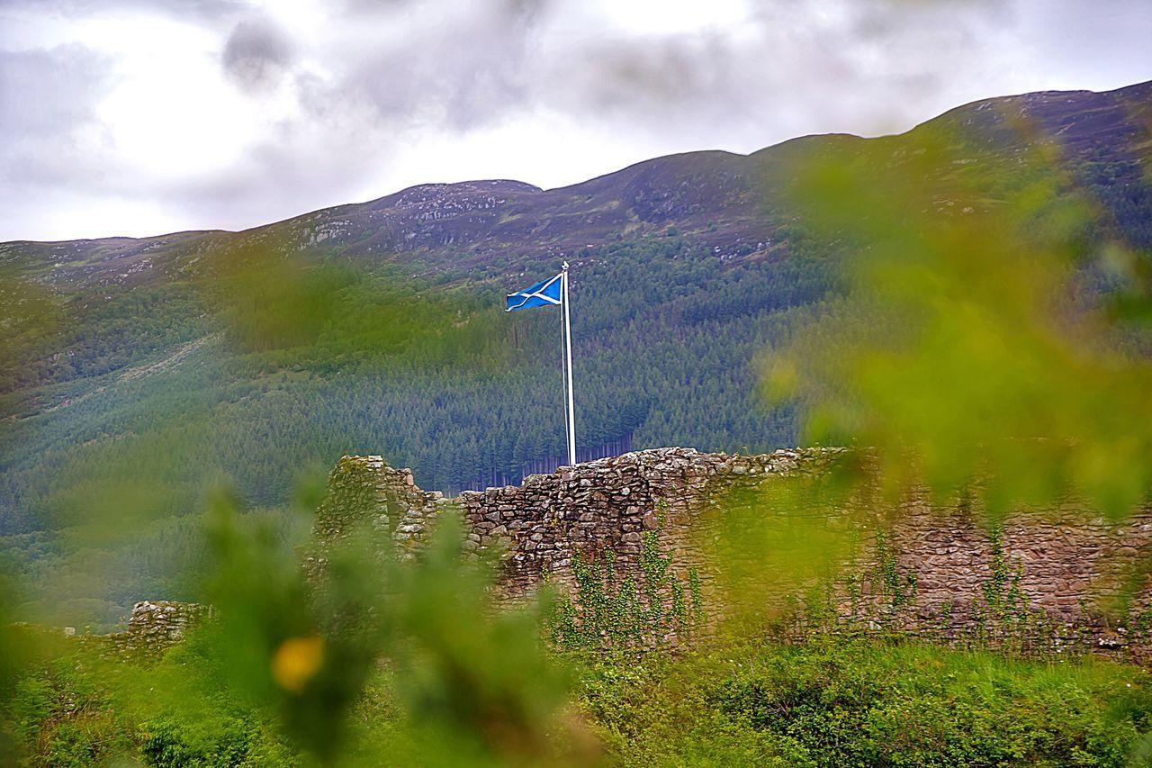 Scotland Scotland 💕 Scotlandlover Scotlandsbeauty Highlands Loch Ness UrquhartCastle Flag EyeEm Best Shots EyeEm Nature Lover EyeEm Gallery EyeEm Best Edits EyeEm (null)EyeEmBestPics EyeEm Best Shots - Nature Eyeemphotography Taking Photos Hello World Enjoying Life Beautiful Nature