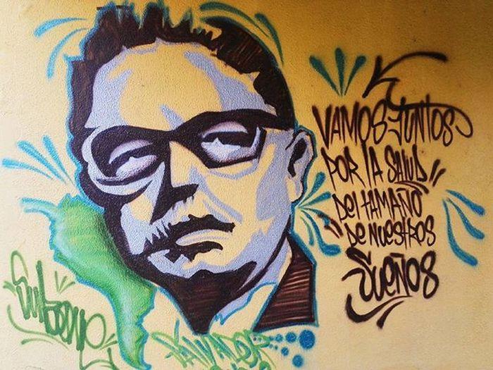 """""""Vamos juntos por la salud del tamaño de nuestros sueños"""" Graffiti Graffitiart Formydreams UrbanART Urbanphotography Streetphotography Universidaddelvalle Tardecaleña Barriosanfernando Cali Colombia Huaweicolombia Huaweip7 Vscocam"""
