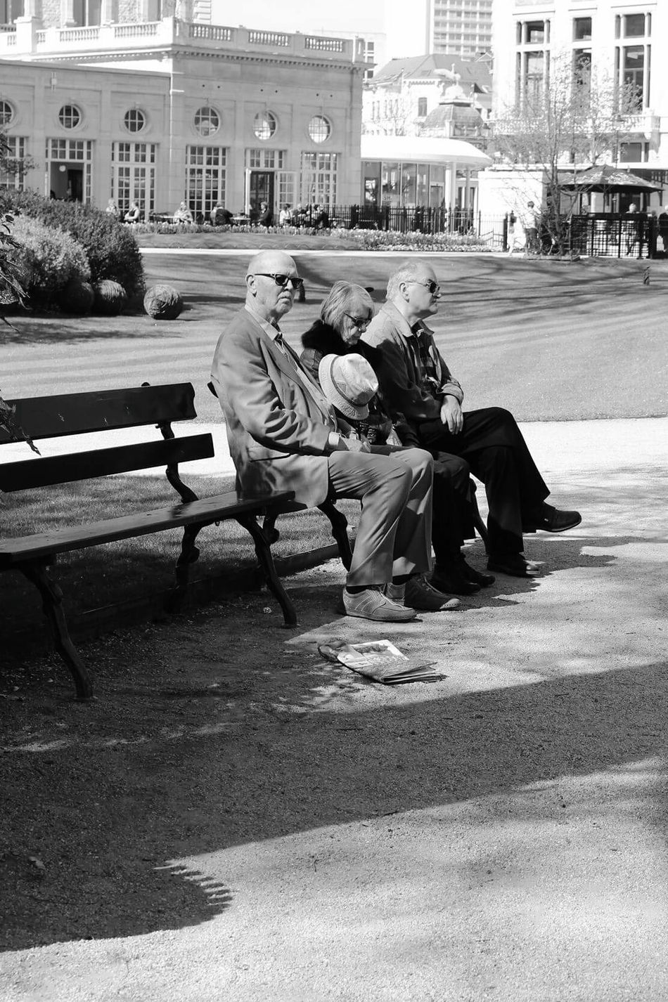 Sitting Mature Adult Park - Man Made Space City Adult Outdoors Men Day People Grass Tree Human Body Part Cityscape City EyeEmNewHere Old People Newspaper Parc Sitting Outside Sitting In The Sun Sunny Day Spring Friendship Goals Peoplephotography People And Places TCPM
