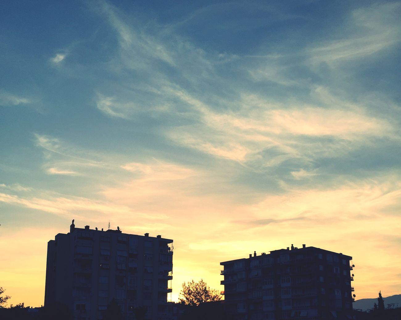 Goodmorning Building Exterior Cloud - Sky Izmir/ Bornova