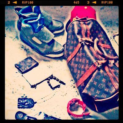 Instagramflexin WeekendRockingEM LuiPurse LuiDuffleBag Gshock GoldShambala Jordan7 SwaggedUp just like that Bwoyyyyyy!!!.......