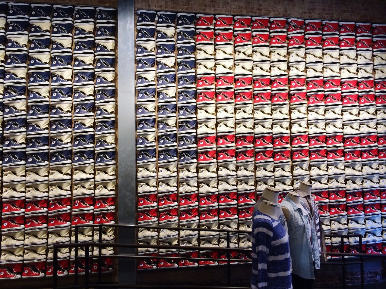 Showcase March Tourist Attraction  Tourism Converse Converse All Star Flag American American Flag New York New York City Store Shop Shopping ♡ Urban Urbanphotography Urban Lifestyle Everything In Its Place Beautifully Organized