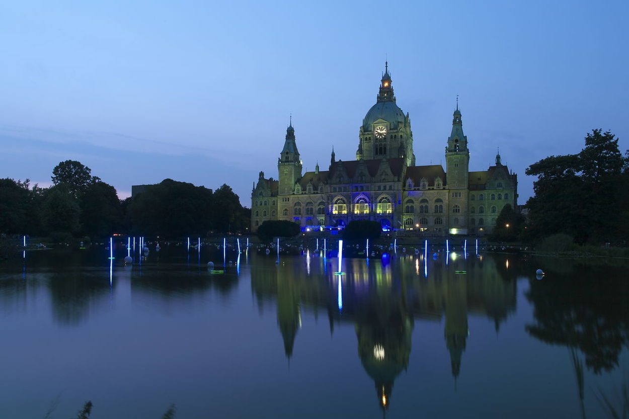 Architecture Built Structure City Dusk Hannover Rathaus Lake Langzeitbelichtung Long-term Illumination Nachtaufnahme Night No People Outdoors Reflection Sky Sommer Sunset Travel Destinations Water