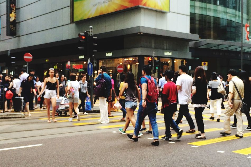 Streetphotography Busy Street Busy Day Crossing The Street Traffic Lights HongKong A Group Of People Many People Group Of People Crowded People Walking Around The City  Walking Around Taking Pictures Snapshots Of Life
