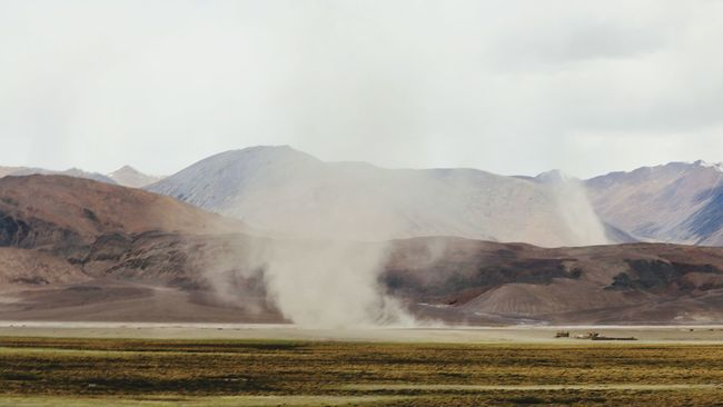 Cold Desert~ Cold Desert India Ladakh India Ladakhdiaries Incredible India Cyclone Sandstorm Power In Nature Non-urban Scene Landscape_photography Nature Diaries Check This Out Youngest Mountain Range Natural Beauty