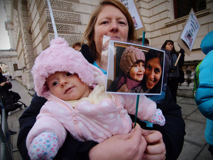 Parents March for Nazanin Zaghari/Ratcliffe. London. 05/12/2016. Supporters of Nazanin Zaghari-Ratcliffe Anglo Iranian woman imprisoned in Iran on unknown charges protested in central london Today. Free Nazanin Protest Ham And High Hampstead  Iran Journalism London Mothers Protest Nazanin Zaghari Ratcliffe News Olympus Protesters Richard Ratcliffe Steve Merrick Stevesevilempire Tom Conti Uk Zuiko