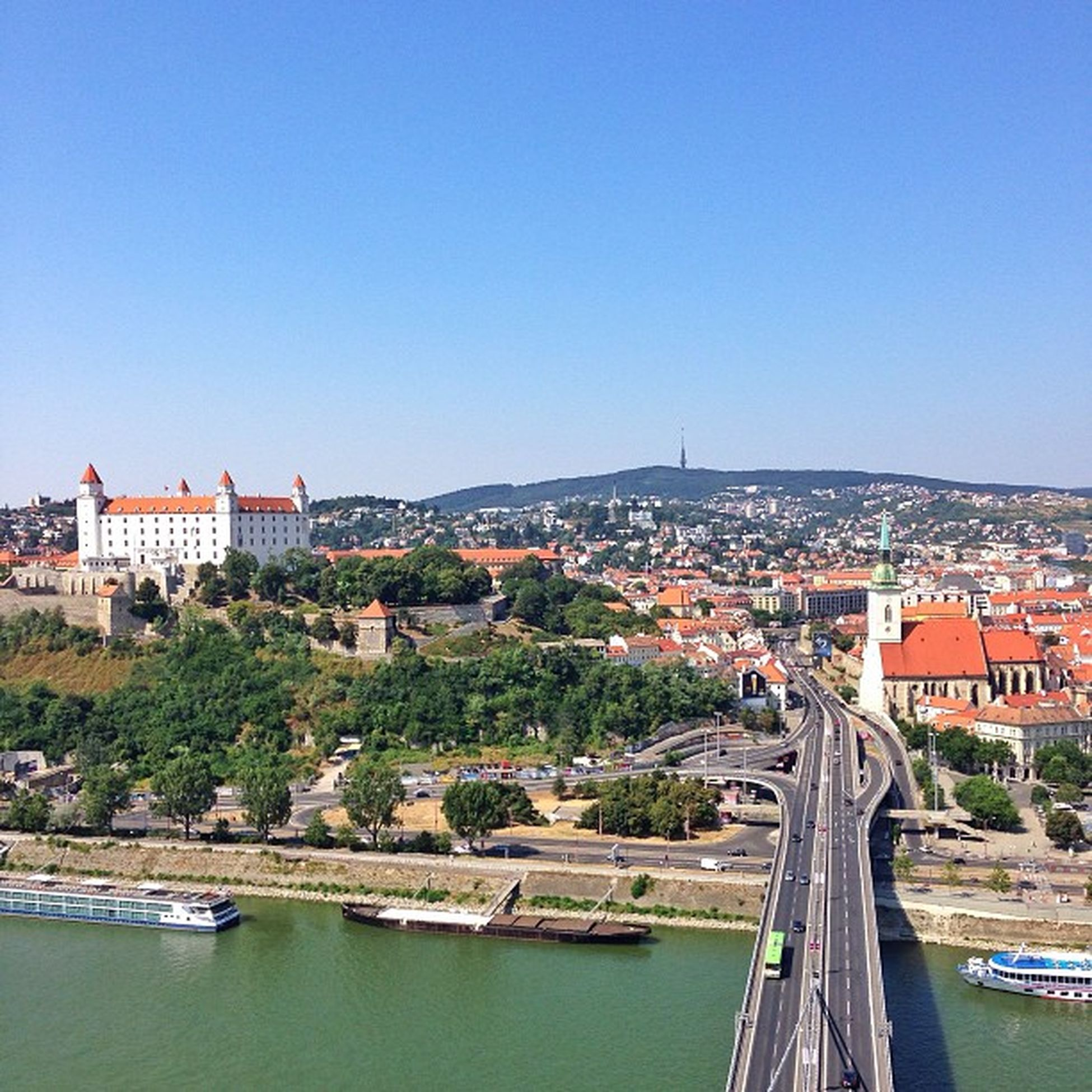 Couldn't leave #Bratislava without taking couple shots from top of the #UFO ?????? You can see Bratislava #Castle on The left, TV #Tower on #horizont and famous for #coronations of kings in the past, St.Martin's #Cathedral ? Capture_today Top_masters Cathedral From_city UFO Iccity Castle Coronations Tower Bratislava Horizont  Gang_family Allshots_ Ic_cities O2travel