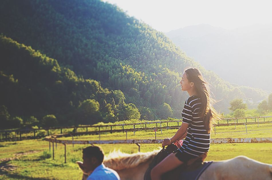 Young Adult Leisure Activity Young Women Casual Clothing Lifestyles Mountain Person Field Beauty In Nature Tranquility Non-urban Scene Nature Scenics Relaxation Holding Tranquil Scene Day Green Color Outdoors
