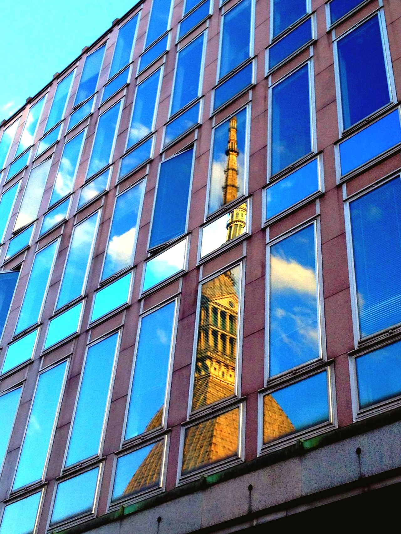 Mole Antonelliana Torino Torino ❤ Torino , La Mole Turin Italy Torinoélamiacittá Sky No People Architecture Windows Riflessi Turin NoPeopleAround Cloud - Sky Riflesso Reflection Reflections Reflection Photography Reflection_collection