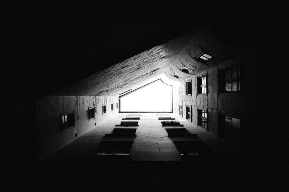 U P ! Architecture Black & White Light Paris Perspective Shadow The Week On EyeEm Vscocam Welcome To Black