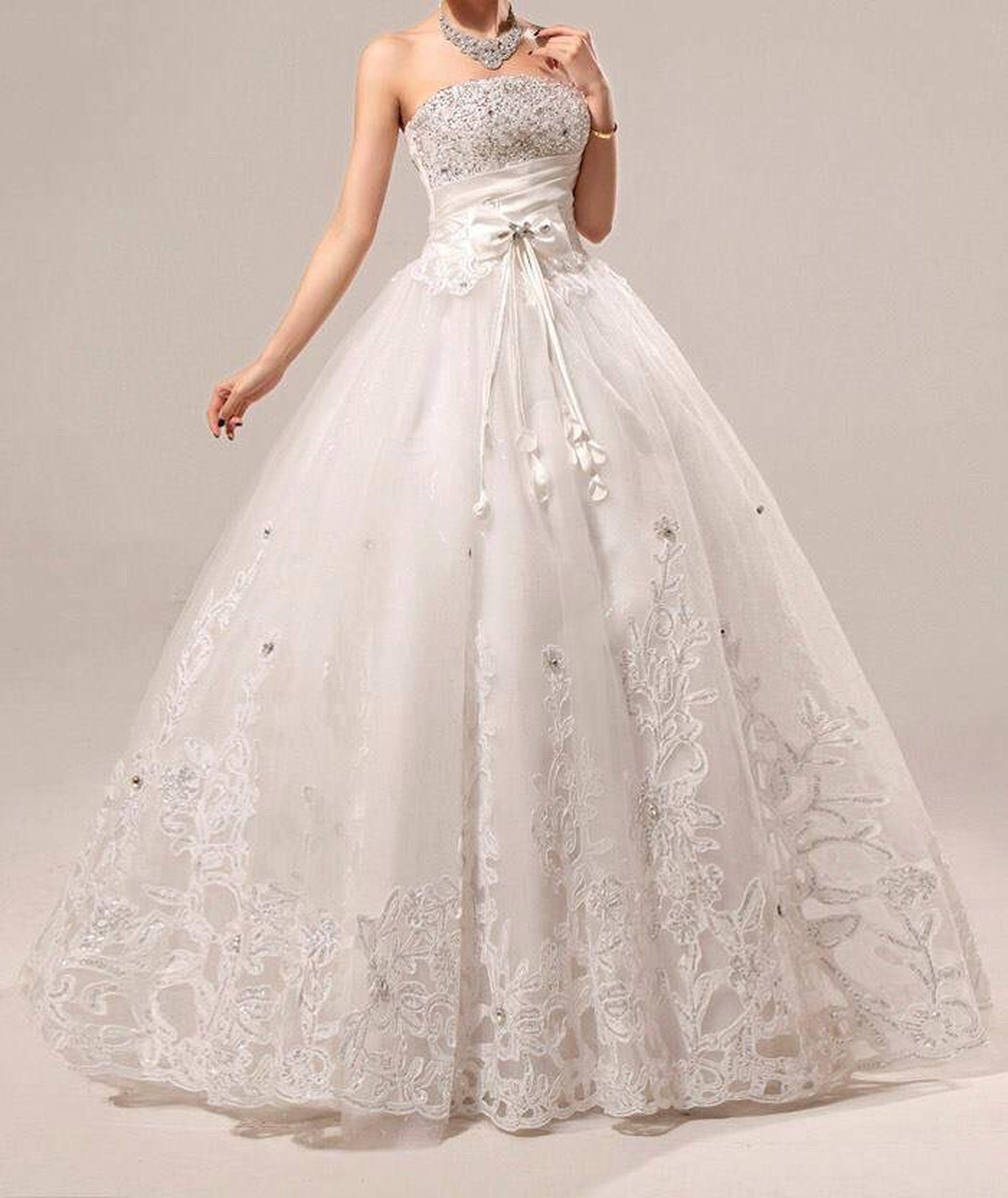 indoors, dress, wedding dress, person, focus on foreground, veil, freshness