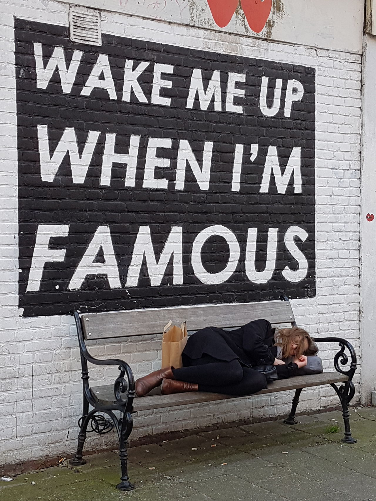 One Person Adults Only Background Cover Sleeping Sleeping Time Wake Up Wake Me Up Famous Place Famous Famous City Famous Places Sleep Bench Seat Bench Benchporn Bench Collection Benches City Life