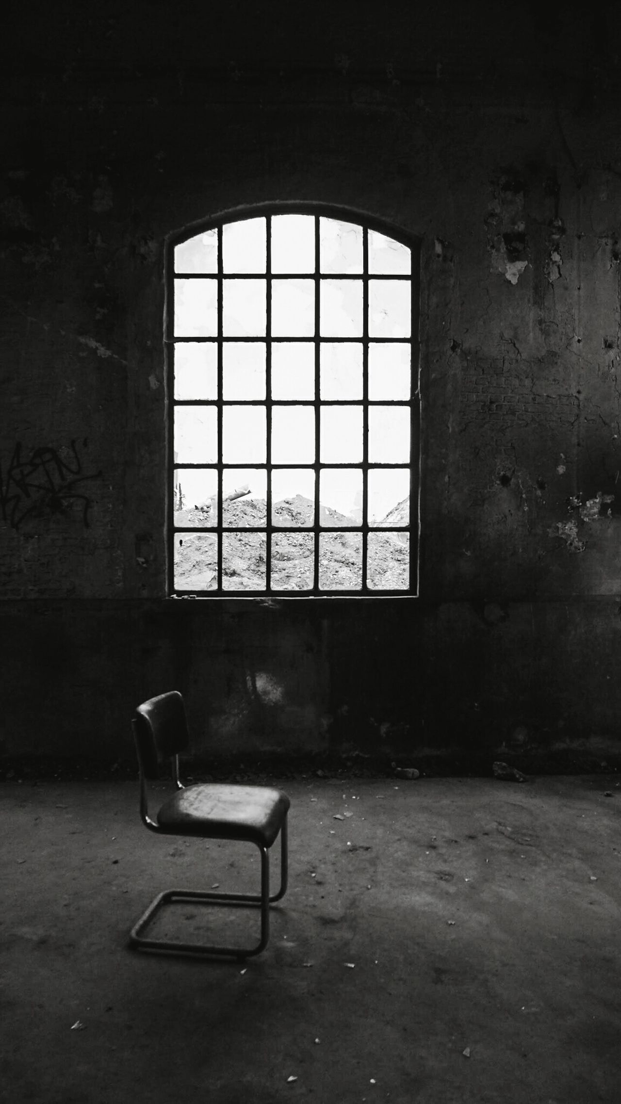 Window Indoors  Empty Abandoned Chair Day No People Architecture Old Urbexworld Creativity Urbexphotography Urbex Photograph Live For The Story Photography Traveling Fun Discovering Close-up Travel Destinations Empty Lonely Alone Blackandwhite