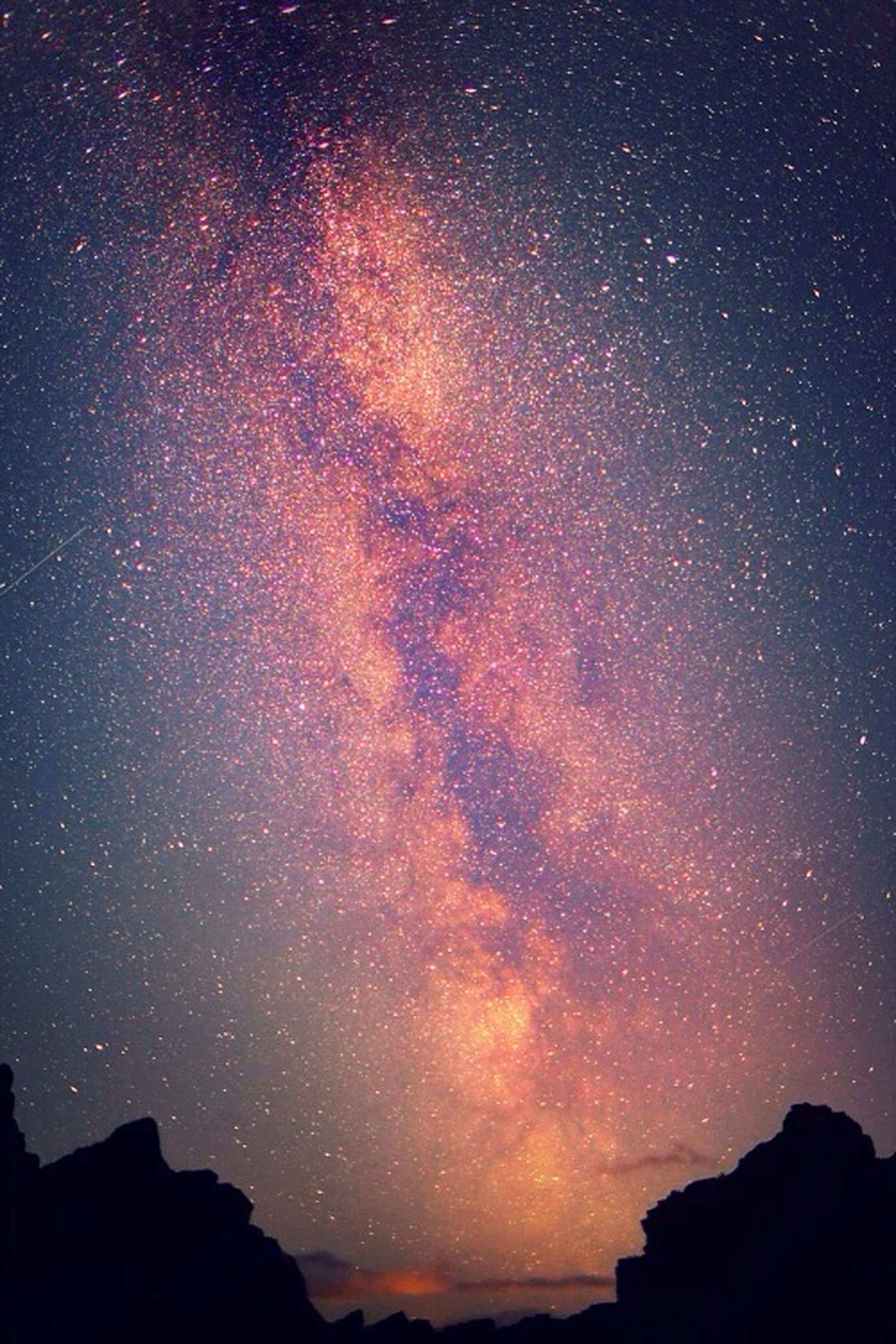 night, scenics, tranquil scene, beauty in nature, tranquility, sky, star - space, astronomy, star field, silhouette, nature, idyllic, majestic, dark, star, galaxy, low angle view, space, landscape, mountain