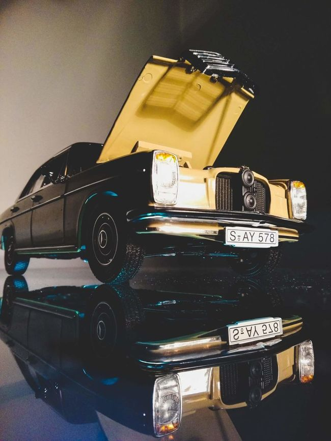Classic Car Car Classic Mercedes Light And Shadows Studio Shot Photo With Smartphone Vintage Cars Old Mercedes Mercedes-Benz Mercedes Benz Model Car Model Cars Eyeem Miniatures Model Cars Official Photos Club🚙🚕🚗 Check This Out Nice Car Remember Remembering Old Times