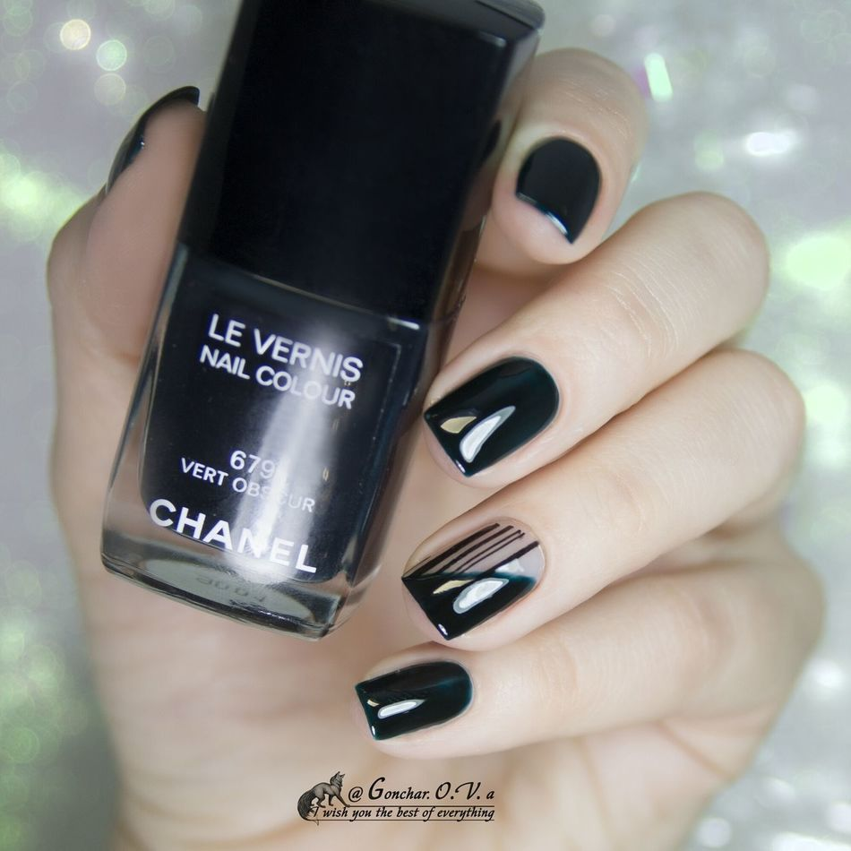 Chanel Vert Obscure Human Hand Fashion Arts Culture And Entertainment Adult Close-up People Women Technology Beauty Indoors  лак ногти маникюр  Fashion Nail Polish Manicure Fingernail One Woman Only Nails