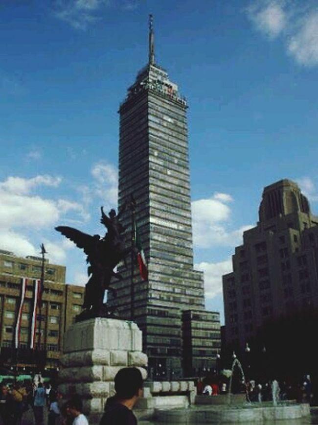 dando a conocer MEXICO Mexicoandando Mexico_maravilloso Bellas Artes, México D.F. Architecture Centro México D.F CDMX ❤ CDMX Torre Latinoamericana. Cdmx17