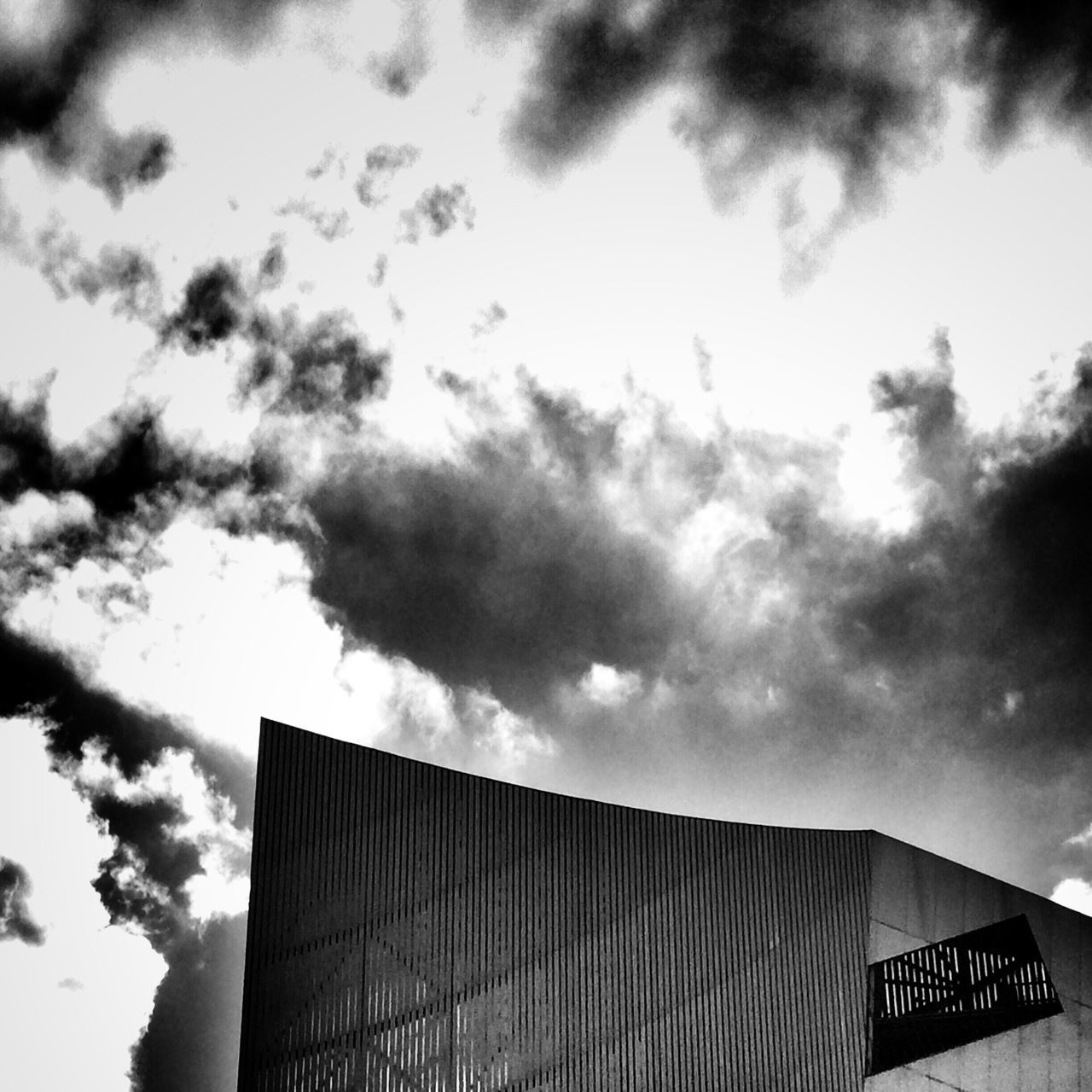 Imperial War Museum Manchester Salford Sky Architecture