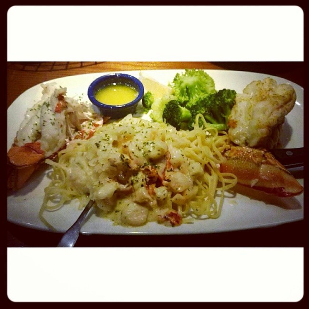Eating the luxurious red lobster for the first time everrr @lantogram @craigmchang Redlobster Finedining Callmeskinnyonemoretime