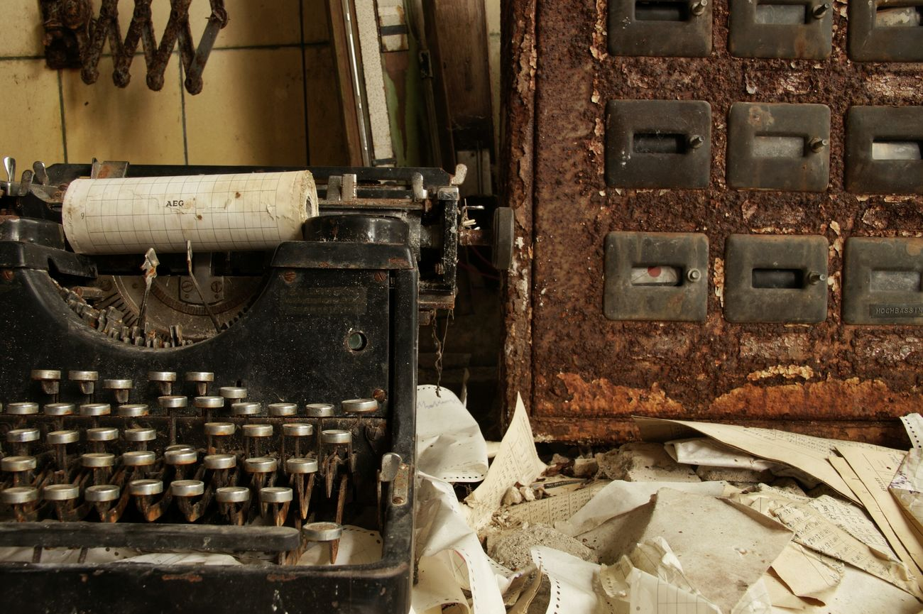 Taking Photos Abandoned & Derelict Ksilencio.com Abandoned
