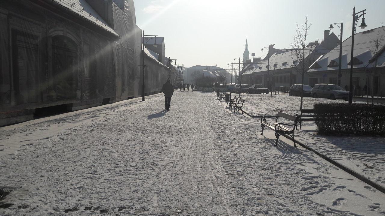 Snow Built Structure Architecture Sky Wintertime Winter Snow ❄ Cold Temperature Frozen Snow In The City Snow In Sunshine