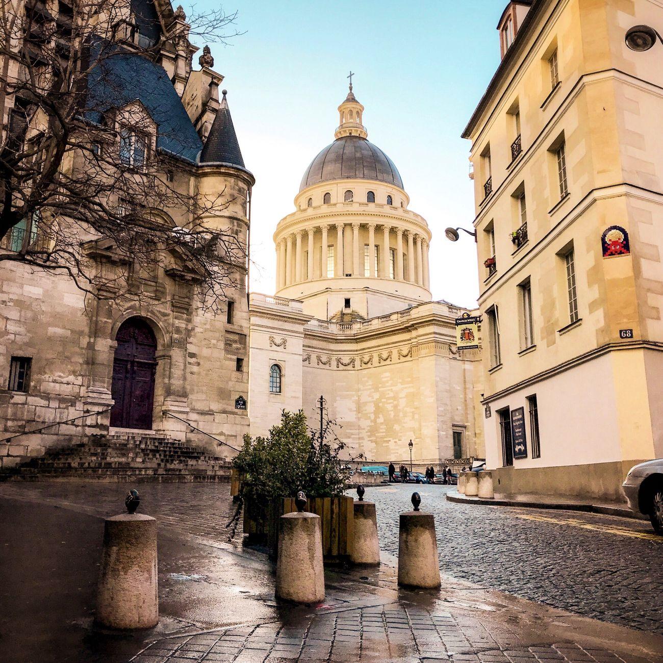 Happy Friday! Bonjour Paris Architecture Dome Religion City Travel Destinations Parisweloveyou Paris EyeEm Best Shots Photooftheday Eyem Best Shot - Architecture Clear Sky Paris ❤