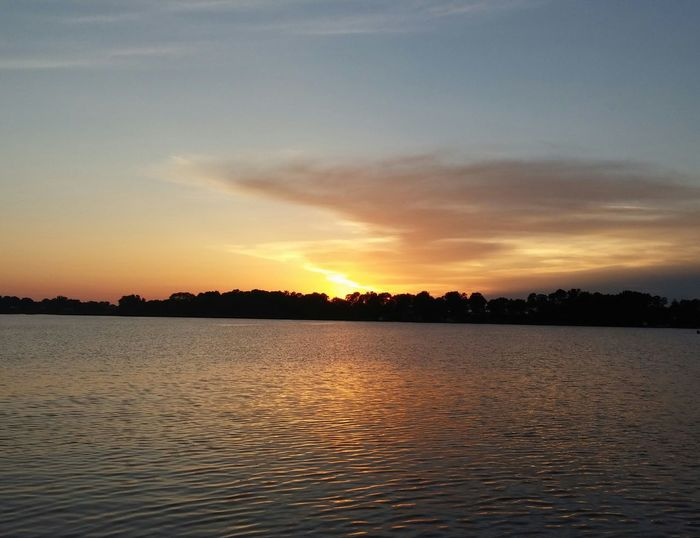 Check This Out Hello World Capture The Moment My Point Of View Taking PhotosTaking Photos Lake Life Sunset Maple Lake