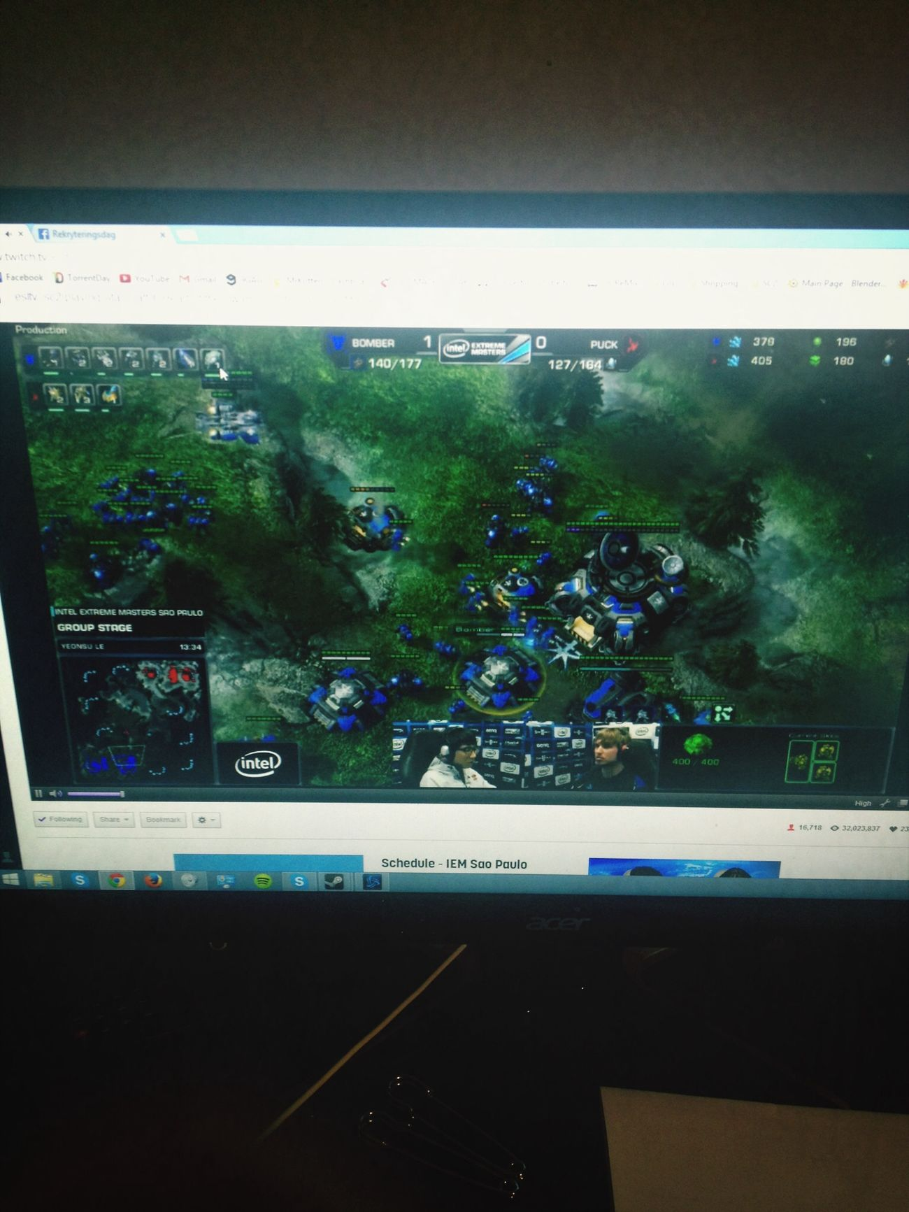 Watching some Esl bomber vs puck! Starcraft Esport Gaming