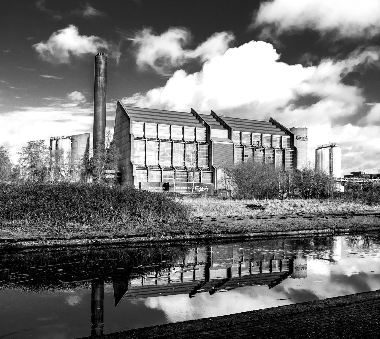 Carlsberg Brewery, Northampton Brewery Canal Grand Union Canal Carlsberg Architecture FUJIFILM X-T2 Black And White Monochrome Monochrome Photography Northampton Built Structure Industrial Landscapes