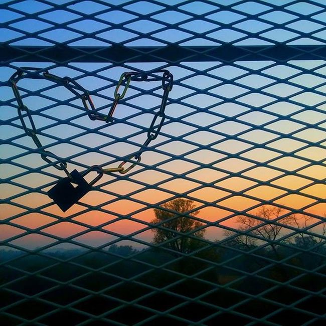 Heart it Heart Lock Nature Sunset Naturelovers Atmosphere Slovakia Slovensko Devinska Mostslobody Mostchuckanorrisa Krasa Priroda Autmn Trees Look Here Place This Lovethis Instapho Photooftheday Photo Perfect