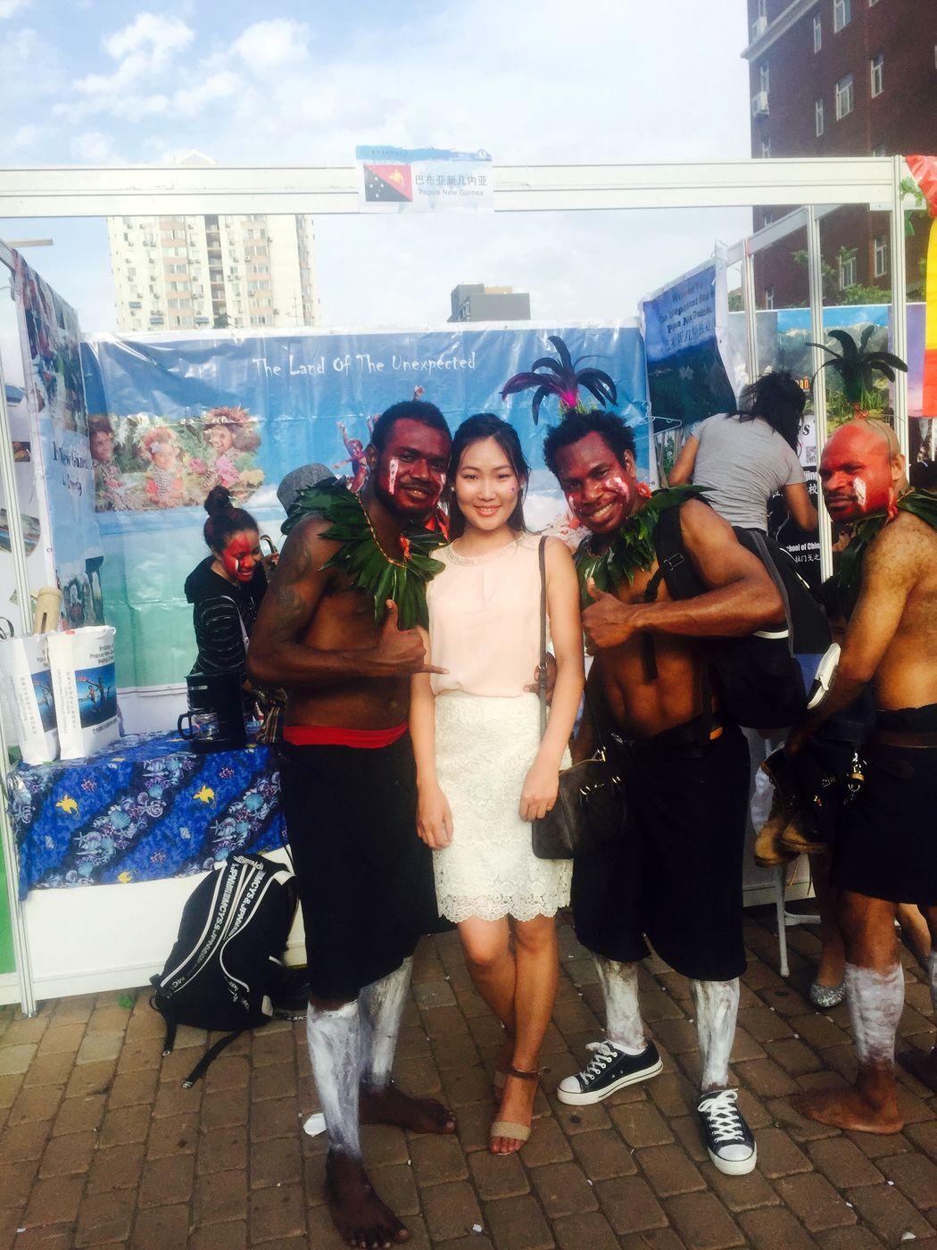 With Papua New Guinea 's Guys ( Looklike a Oreo )😜