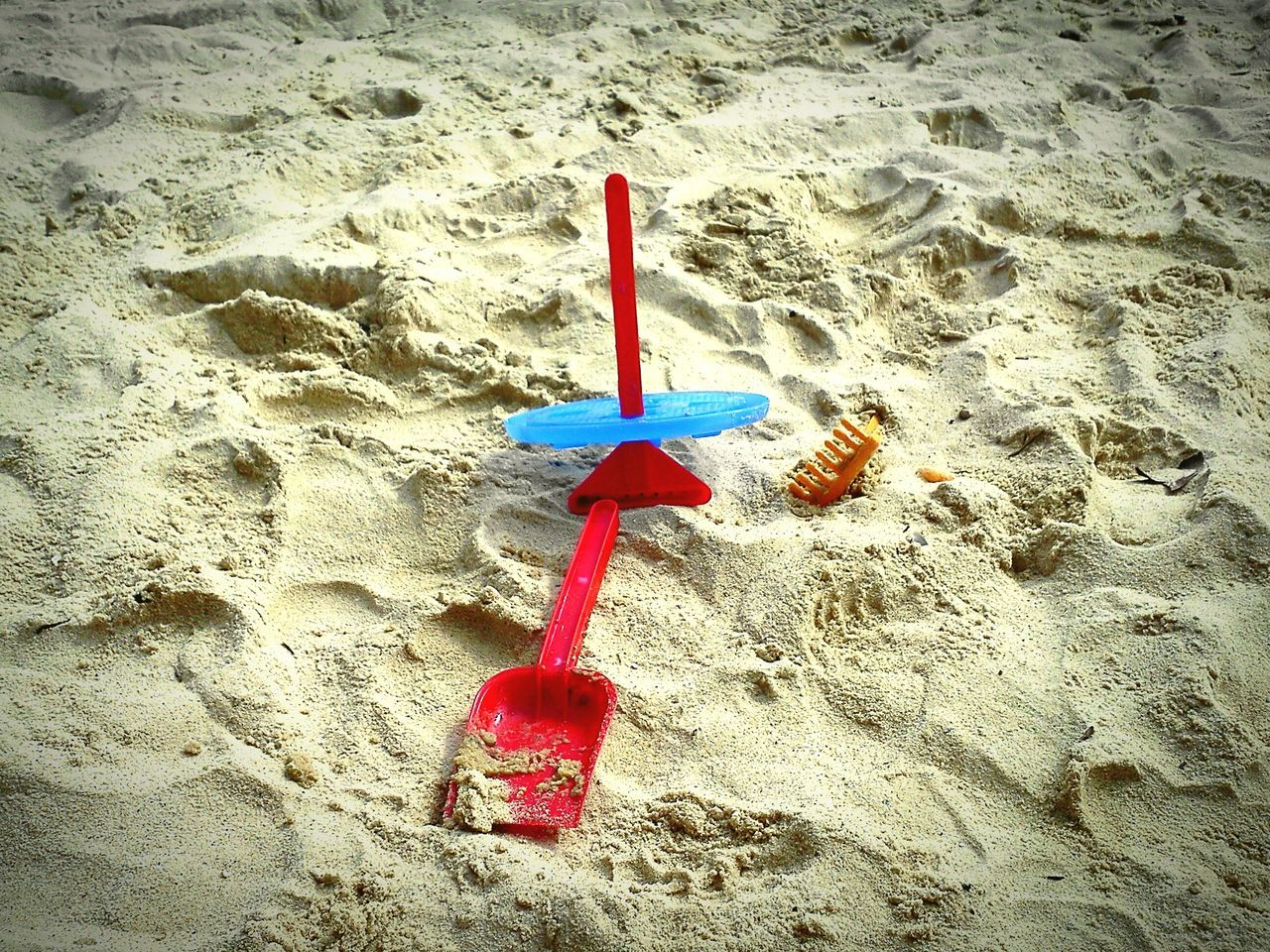 sand, beach, shore, red, no people, high angle view, day, outdoors, sea, nature, sand pail and shovel