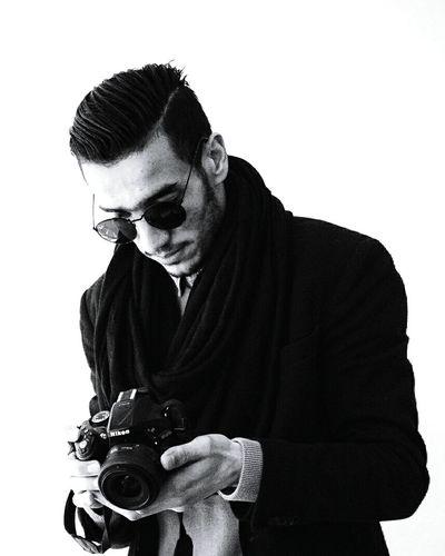 White Background Camera - Photographic Equipment Photography Themes Studio Shot Deutsche Post Nikon Nikon D5200 55-200mm PhonePhotography Canon Sx50 Germany🇩🇪 Berlin Photography Canon700D Algeria Huaweip8 Lite Lens - Eye Love ♥ Zoom Black & White Black And White Black And White Collection  Backgrounds