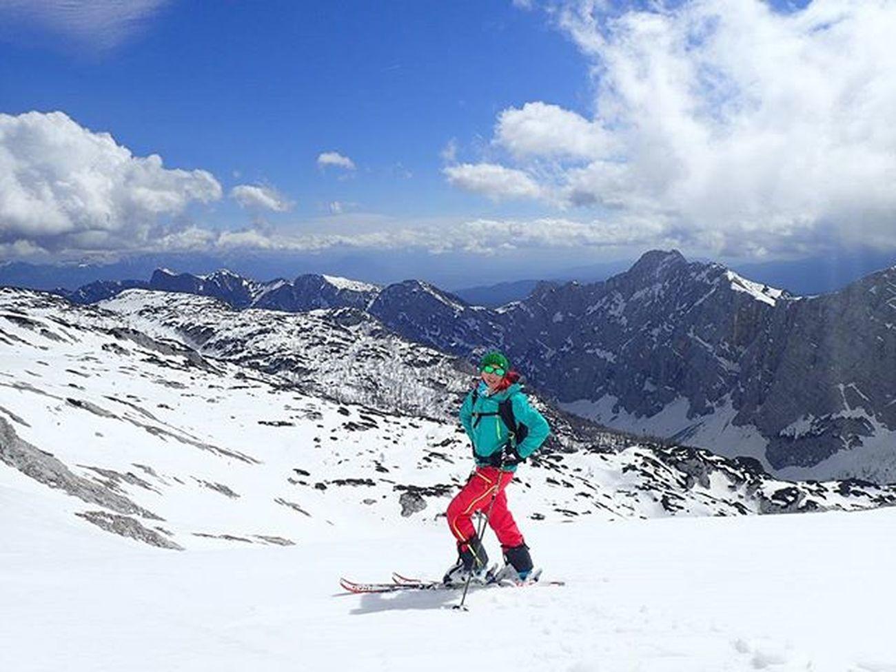 😍😍😍mY woRLd is aBoVe 2500m➡awSoMe daY😍😍😍 Kredarica Julianalps Julijskealpe Triglavnationalpark IfeelsLOVEnia Kampadanes Razmerevgorah Igslovenia Geoslovenija Thisisslovenia Backcountryskiing Visitslovenia Norrona Sportaddict Ig_neverstopexploring Outdoorwomen Badassisbeautiful Lifeisgood Ridewithaview Iloveskiing Springskiing Ig_sharepoint Mountaingirls Loves_mountains Montagne_my_life loves_slovenia whataday