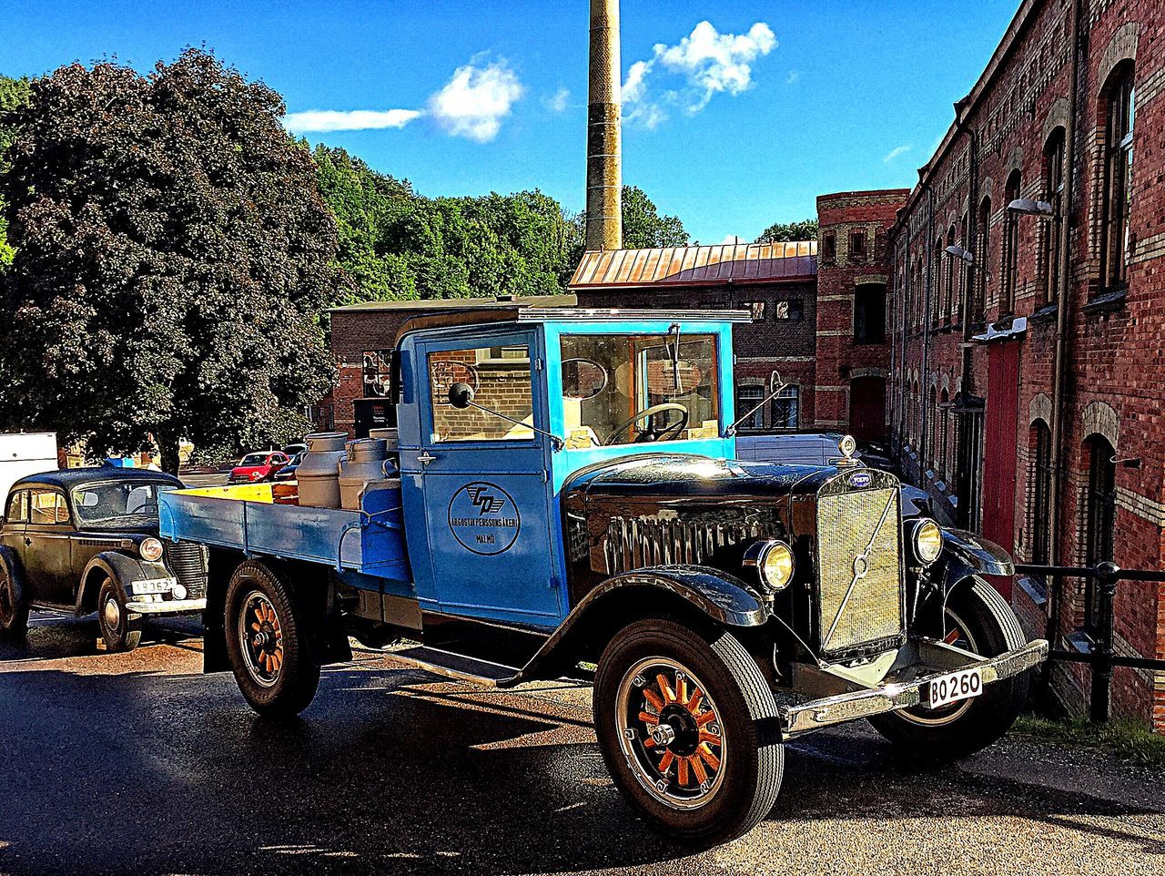 Oldtimes Outside Photography Vintage Vintage Cars Sweden Outside Old Old Car Showcase July Car Cars IPhoneography Blue Car Blue Check This Out Vintage Photo Taking Photos