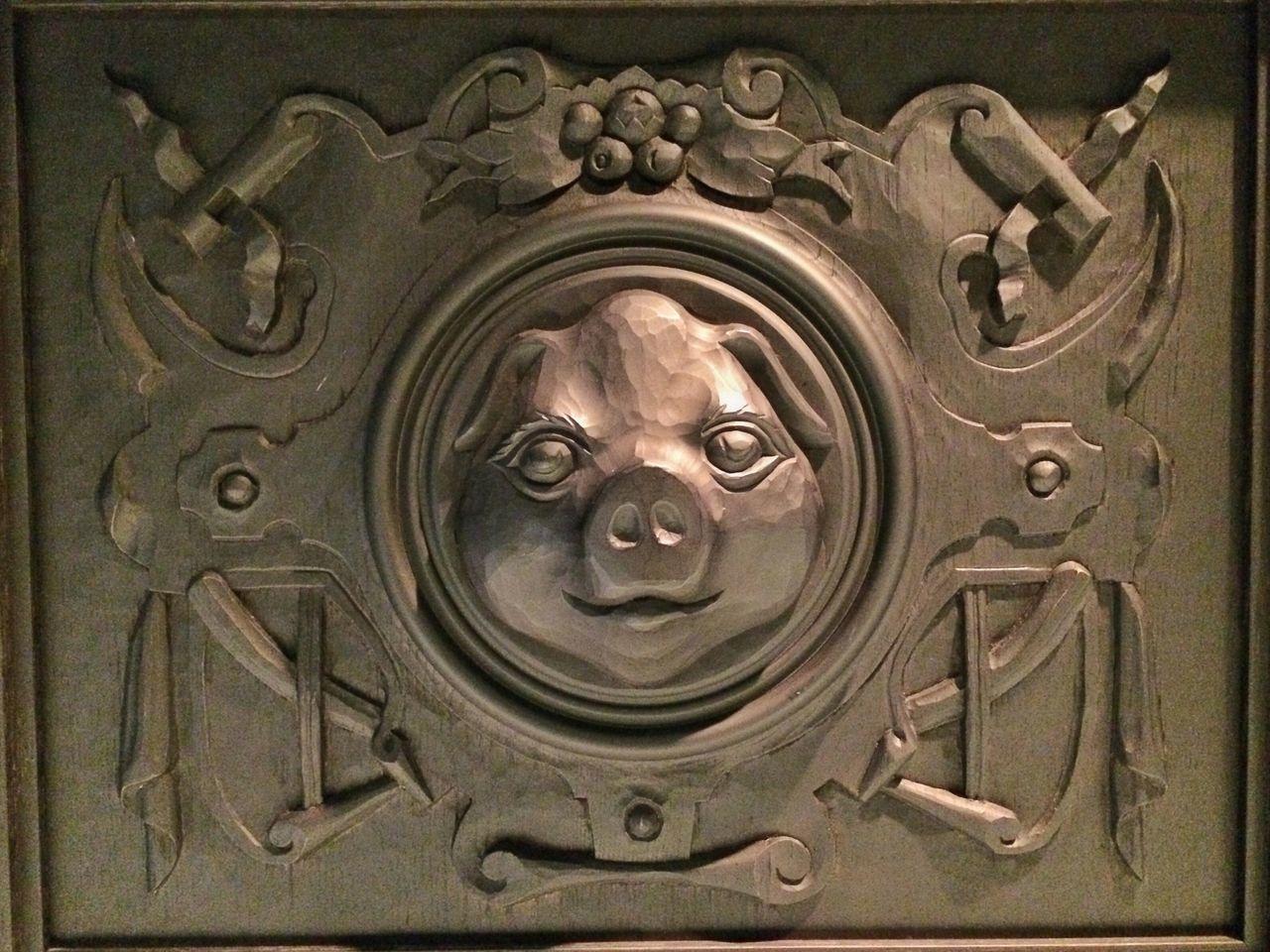 Piggy Pig Relief Relief Sculpture Quirky