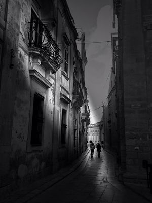 malta streets at Huggins' Bar by ~V~