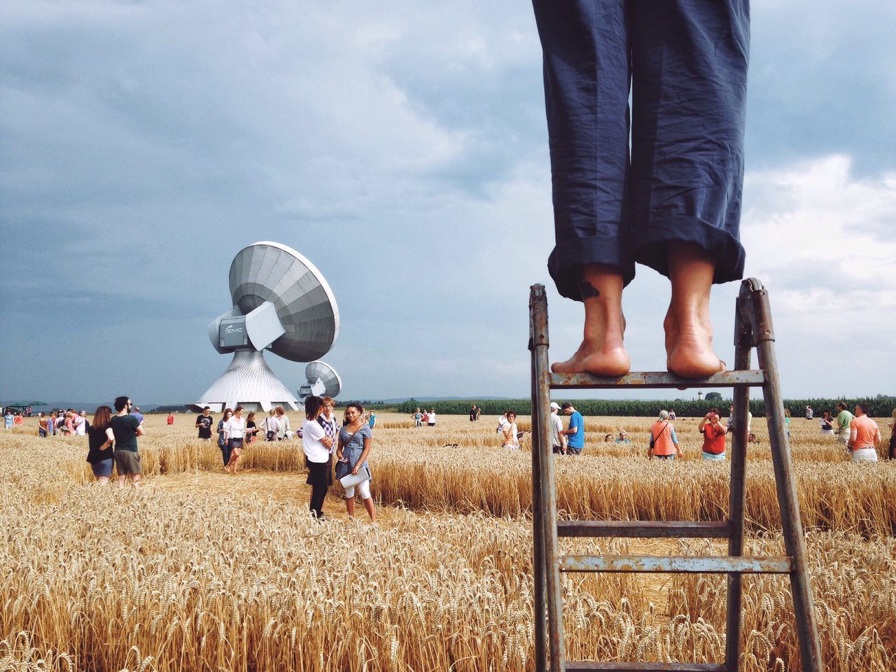 The Crop Circle in Germany//.👽 The Great Outdoors - 2016 EyeEm Awards People People Watching The Photojournalist - 2016 EyeEm Awards Farm Field Tourism Legs Watching Landscape Clouds And Sky Cloudy Sky Scenics Outdoors Outdoor Photography Horizon Summer Summertime Circle Taking Photos Nature Original Experiences Feel The Journey ca27 Fine Art Photography The Great Outdoors 2016 Finalists EyeEm X Canon - Feel The Journey