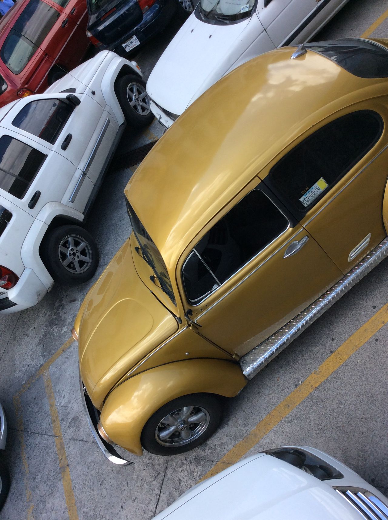 Parked cars Ipadphotography Gold Beetle Car high up looking down Mexico City Cars Parked Close Together Hilalgo Juarez Bellas Artes Transportation Day Wheel IPad Mini No People Autumn High Angle View EyeEm Best Shots