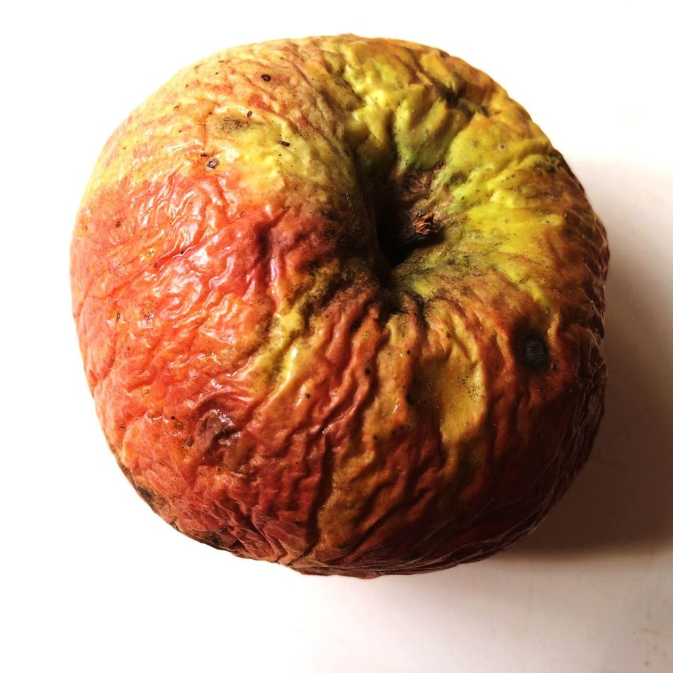 Apple Skin Skincare Getting Old Getting Older Aging Rejuvinating Rejuvenated Dryfruit Dryfruits Aging Beauty Aging Process Aginggracefully Aging Skin Aging In Style Aging Well Pelle Invecchiamento Invecchiare Bene Rughe Raggrinzire Knittern Haut White Background Close Up