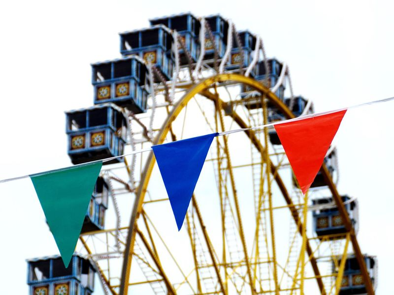 🎡 Funfair Funfair Streetphotography Fun Fair Focus On Foreground Ferris Wheel Wheel Flags Flags In The Wind  Flag Pennants German Germany EyeEm Best Shots Edited Silhouette Colors (null) Colorful Lines Cabin Spinning Around Giant Giant Wheel Yellow