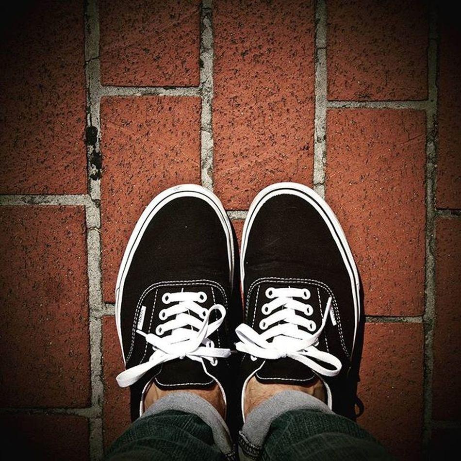 My Shoes <August 18> Augustphotochallenge Vansshoes Pentaxk50 Pentaxcamera Pentax Pentaxiansstandup Pentaxiansunite Pentaxagram