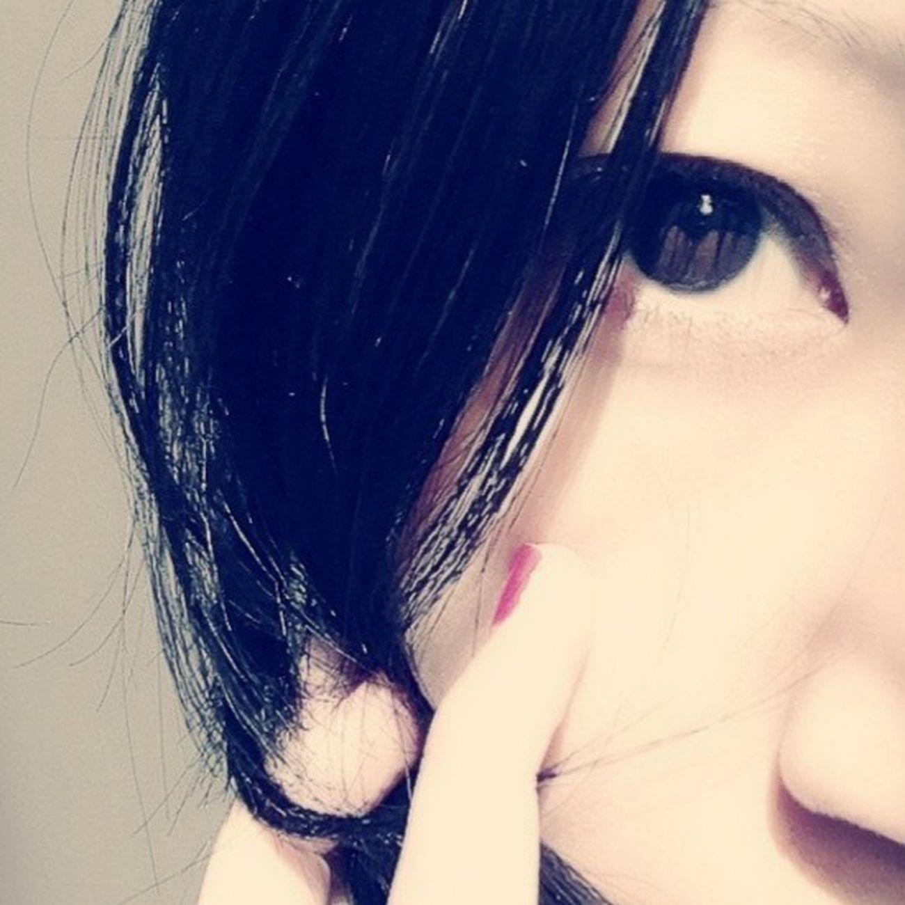 青や緑の瞳憧れるけど真っ黒も好き BlackEye Eye Myeyes Fingers Fuckyeah Japanese