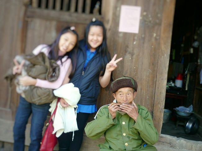 Sweetie and her friend posing for the camera with the kind villager 💋 China China Trip Travel Photography Beautiful People